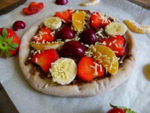 glutenvrije chocolade pizza met fruit