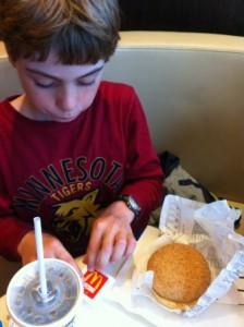 Glutenvrije hamburger MacDonalds (4)