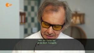 De jury vindt het brood geel (let op zijn bril...)