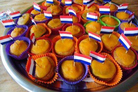 Glutenvrije oranje cupcake met wortelglazuur