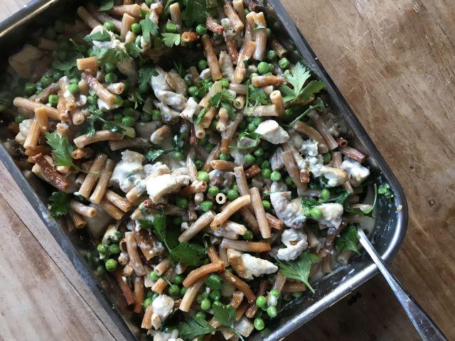 Glutenvrije pastaschotel met room en kip